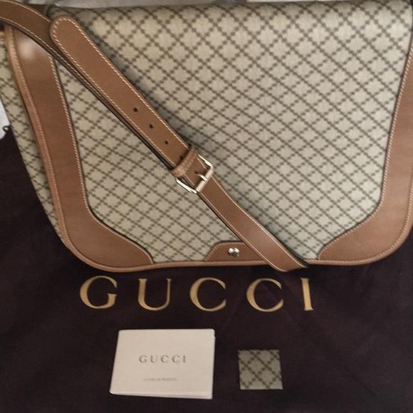 91bc558957f Gucci Handbags - New Authentic Gucci Diamante Messenger Bag